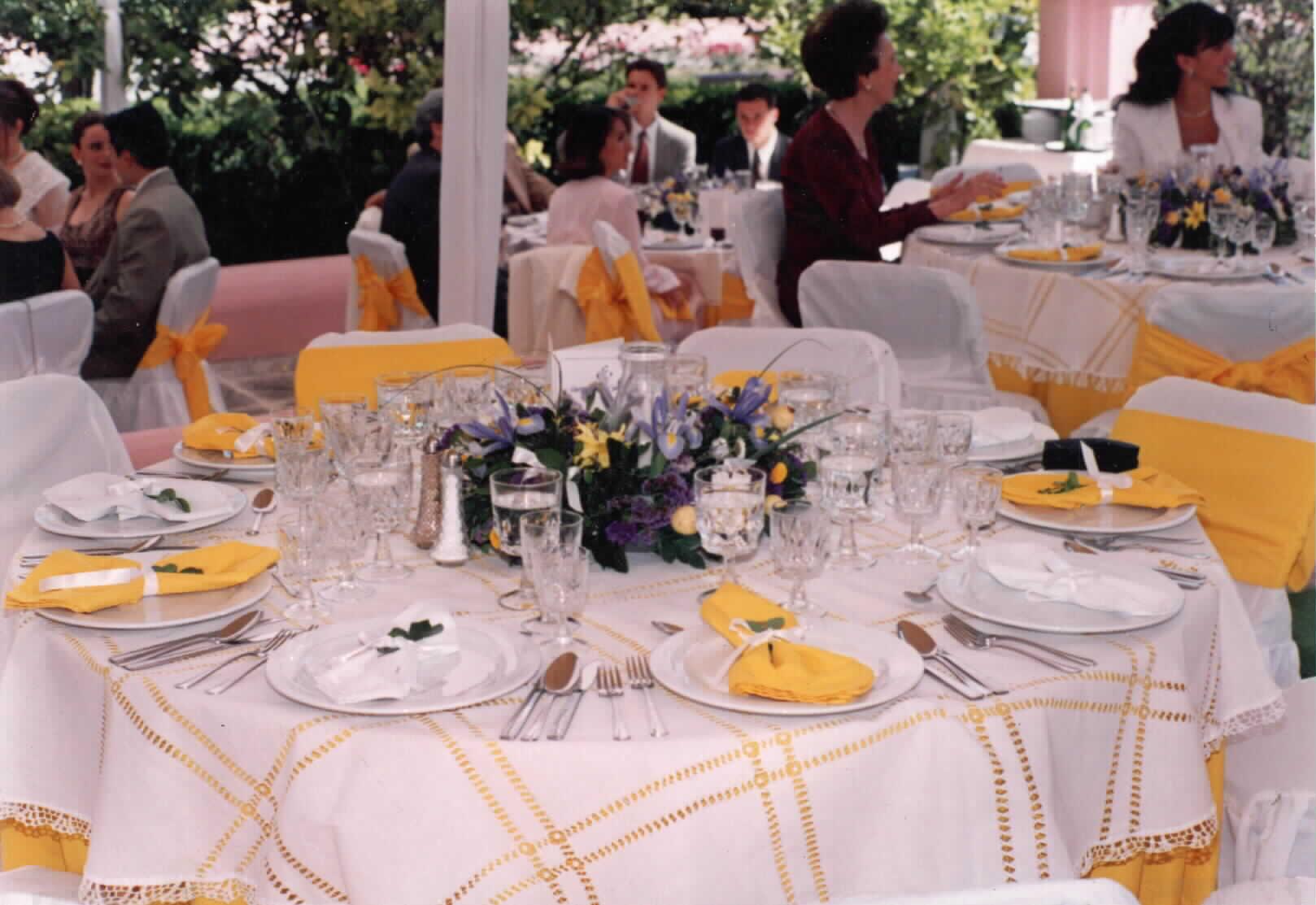 decorar primera comunión con amarillo