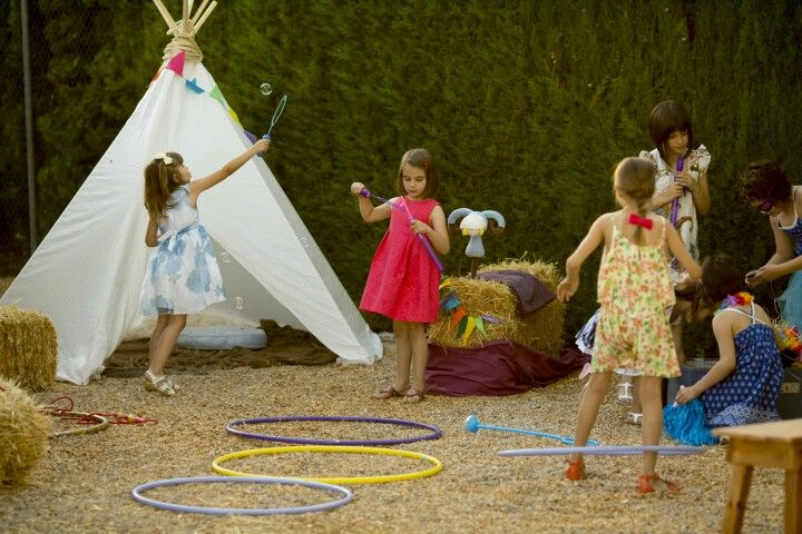 Cojines, alfombras, tipis