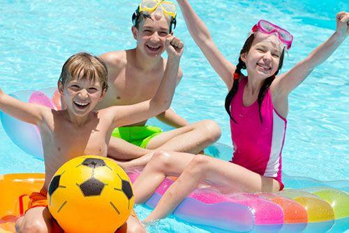 Consejos para organizar una fiesta de piscina