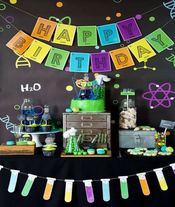 Decoración de fiestas infantiles estilo científico